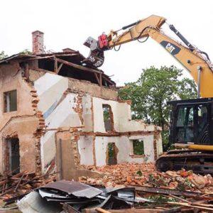 demolizione casa e raccolta detriti